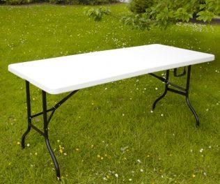 La table pliante: un atout pour organiser un événement