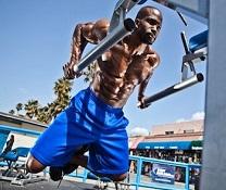 Travailler le haut du corps en musculation pour être plus fort et résistant aux éventuelles chutes