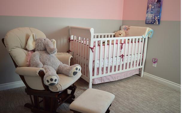 Ne laissez plus la chaise de bébé ruiner votre décoration