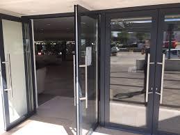 Préoccupations pour les portes d'entrée vitrine