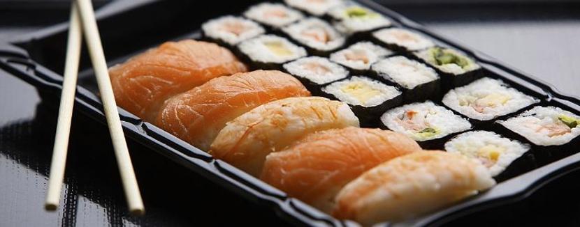 Livraison de sushis à domicile.
