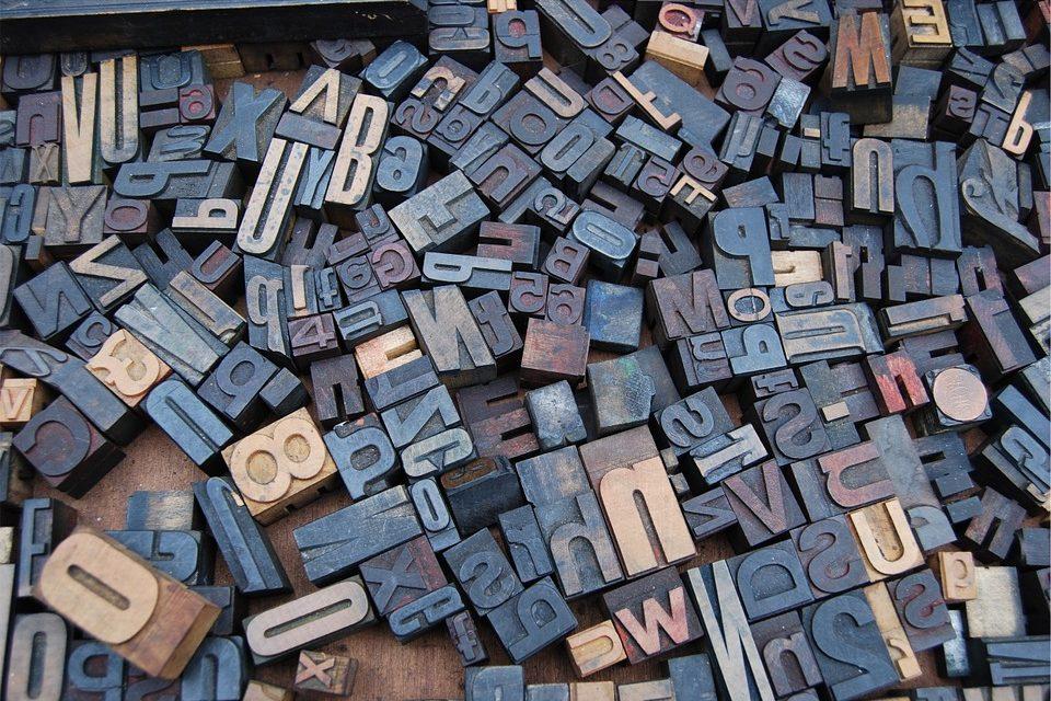 Pourquoi choisir des lettres en relief pour votre enseigne ?
