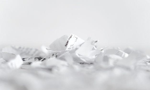 Comment le broyage et le recyclage du papier aident-ils l'environnement ?